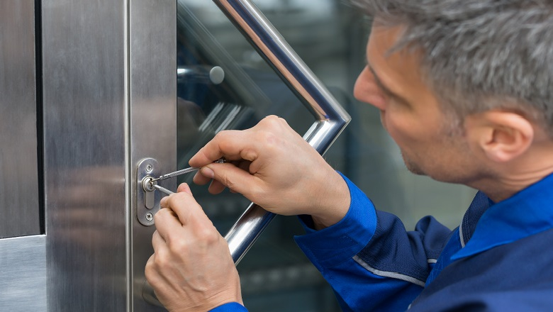 Locksmith and Key Cutting