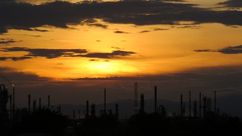 Drug Cartels, Now Hooked on Fuel, Cripple Nation's Refineries